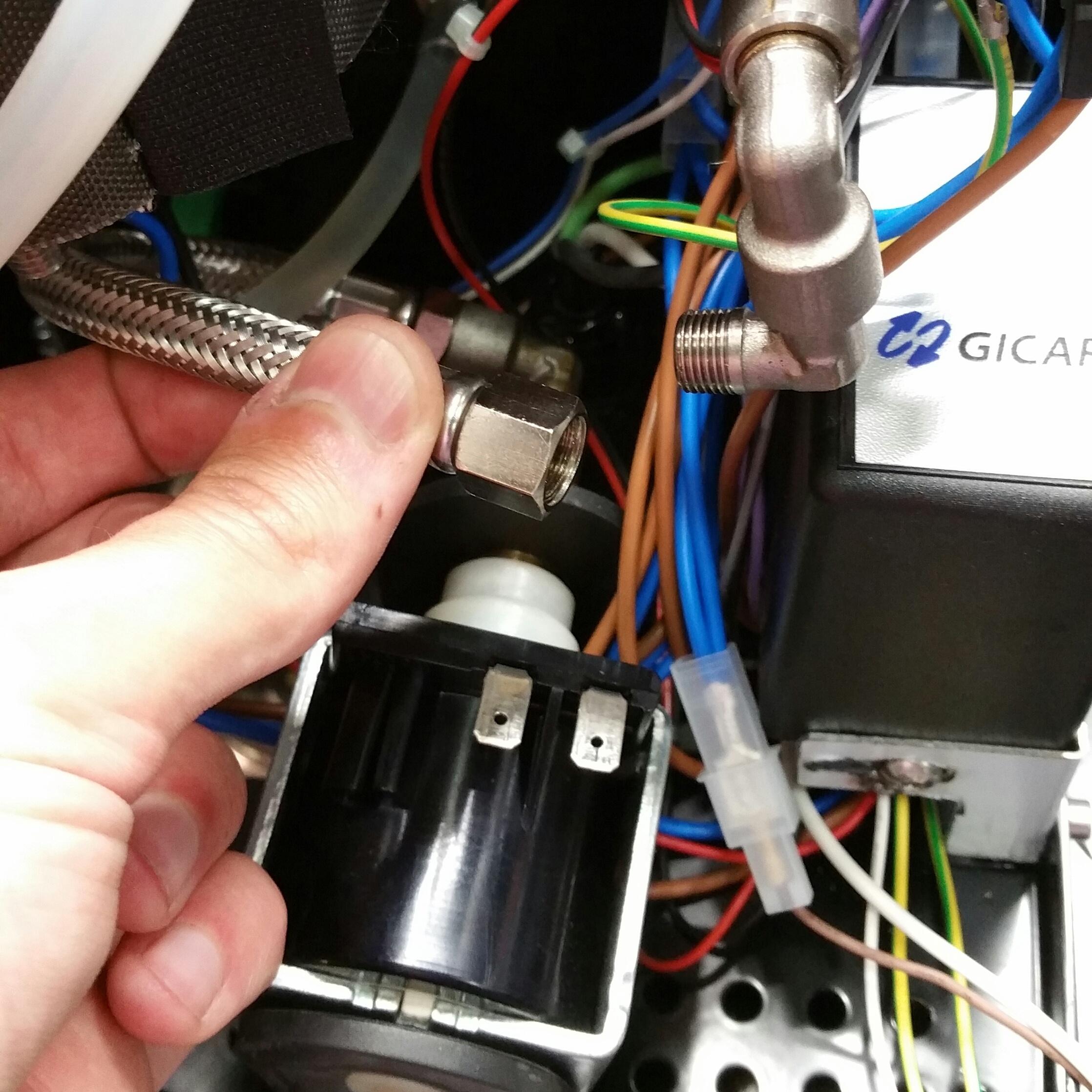 Profitec Pro 300: Removing/Replacing Vibratory Pump