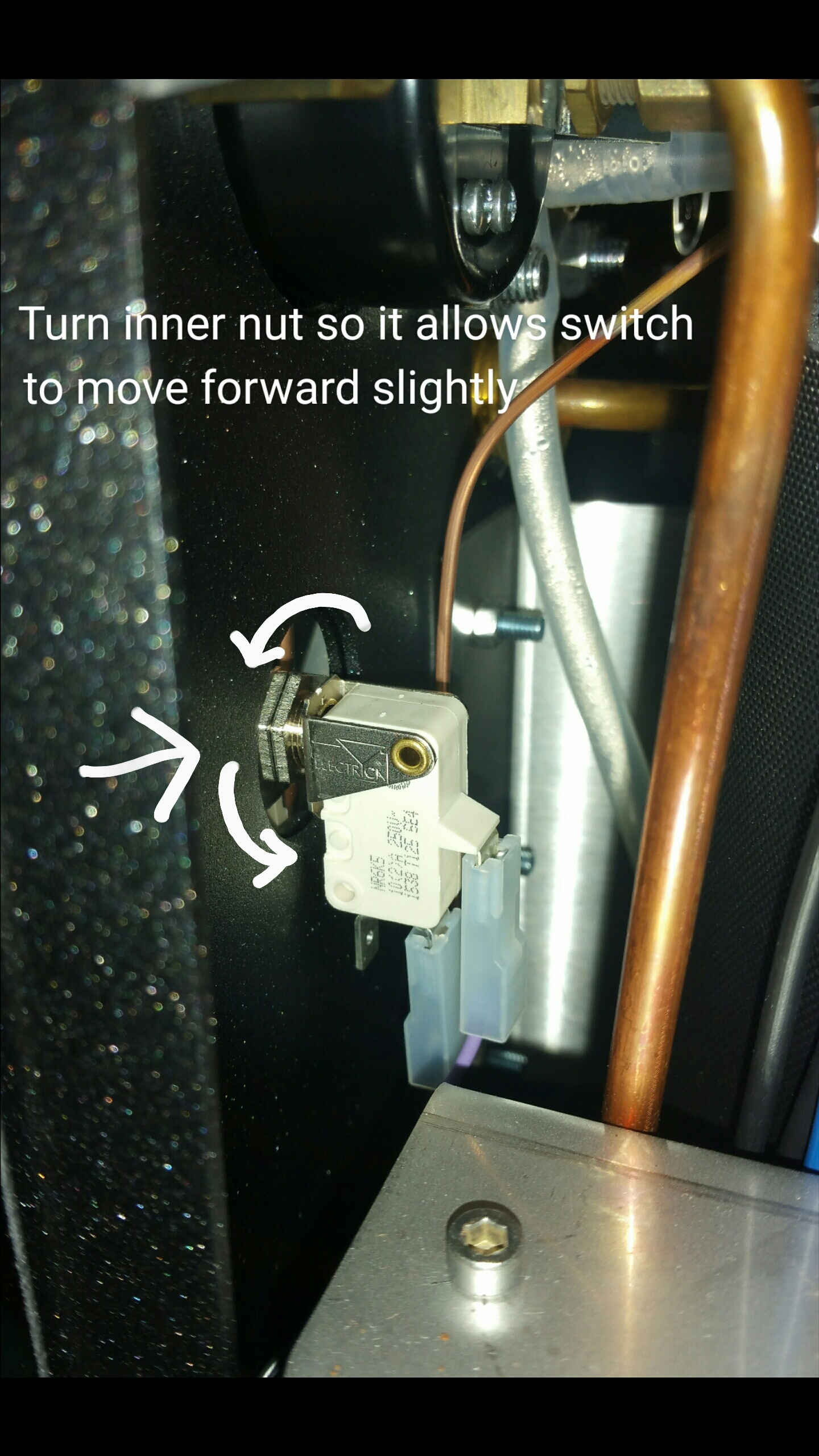 ECM Synchronika: Adjusting Pump Actuation Switch