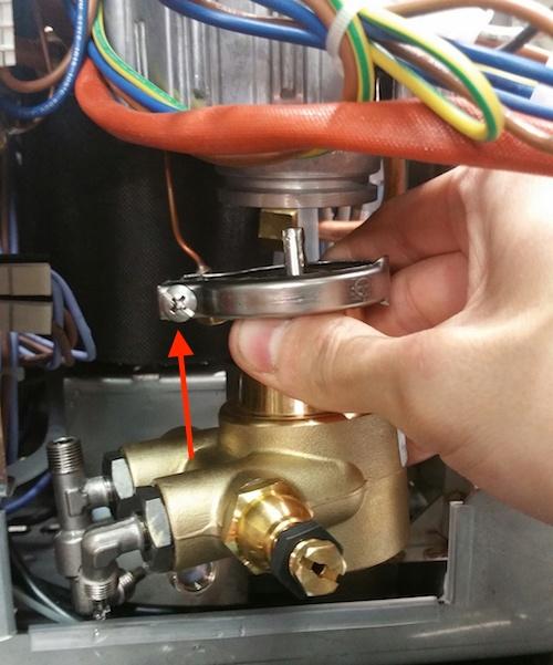 LUCCA M58: Pump Outlet Gicleur Blockage